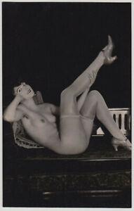Original-vintage-1920s-attractive-nude-in-hosiery