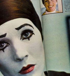 Julie-Andrews-Clown-stage-makeup-Extremely-Rare-feature-1960-039-s-Fashion-magazine