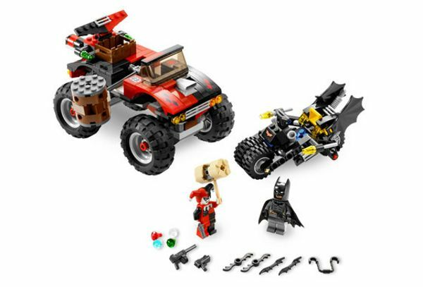 LEGO 7886 BATMAN: The Batcycle: Harley Quinn Hammer Truck - 2018-Sin Caja