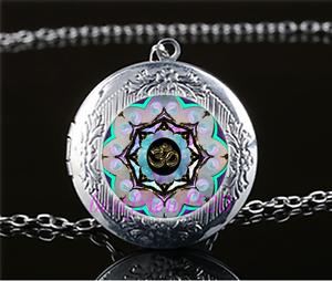 Vidrio-Cabujon-de-foto-om-Luna-Mandala-Collar-Colgante-Relicario-De-Plata-Tibet