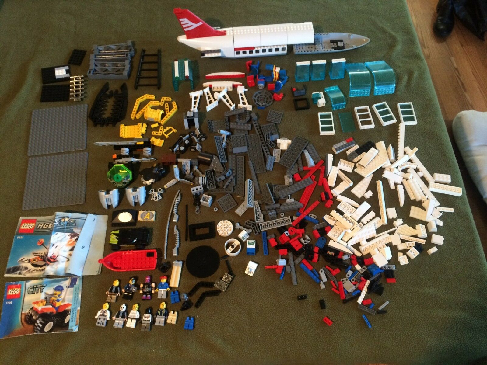 Multi Set LEGO Mix Lot Lot Lot Incomplete Airplane Airport 7894 7736 8631 and more fb57f2