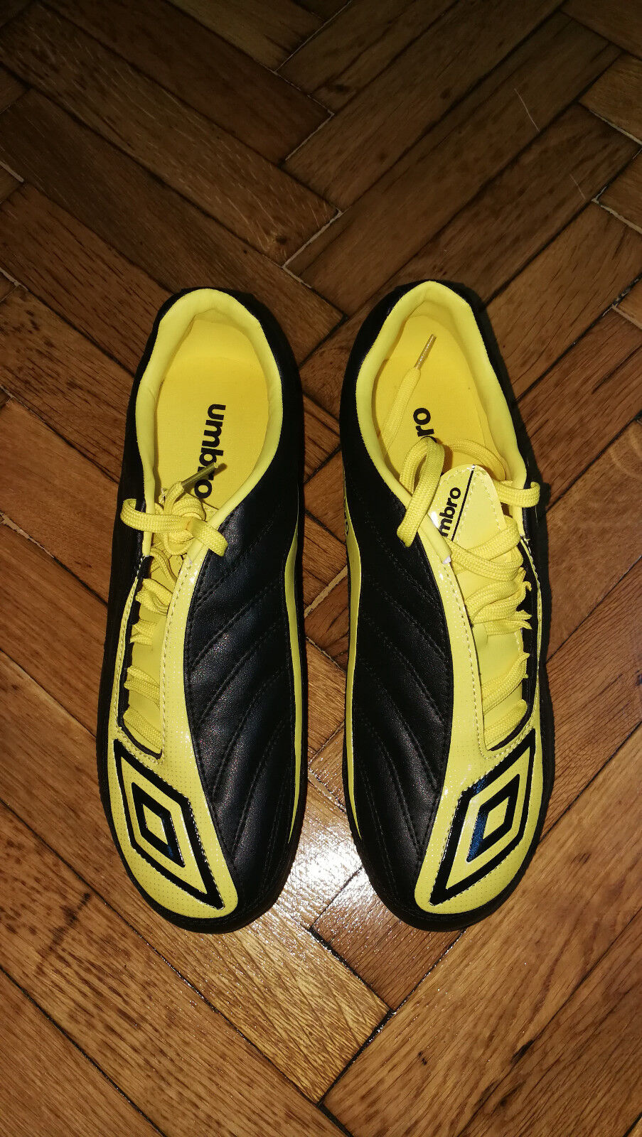 Umbro New Swerve Matt Soccer Schuhes HG Football Stiefel RARE New Umbro 80849c