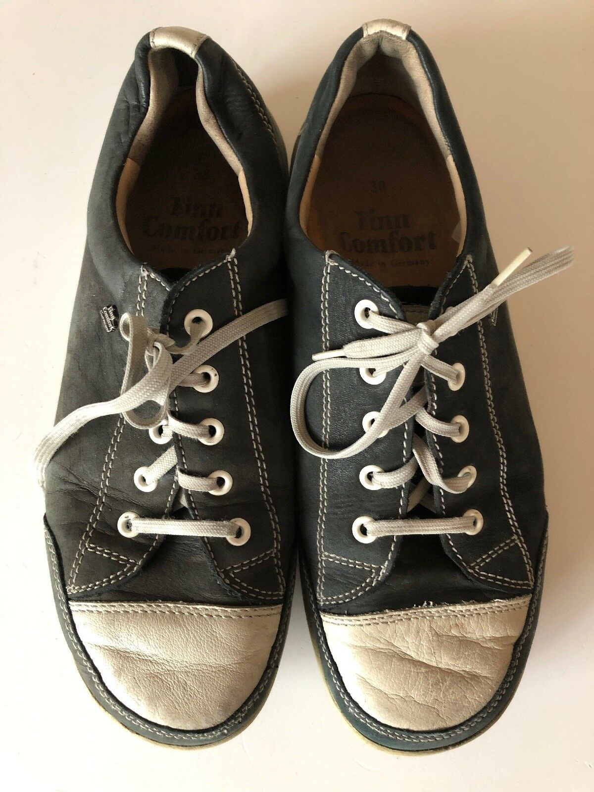 Womens Finn Comfort shoes Sz 7 US Black and White lace up leather Sneaker