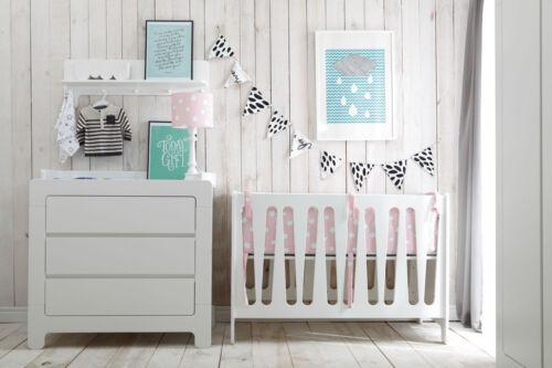 Babyzimmer Set 5-tlg Mit dreitürigem Schrank und Bettkasten Moon MDF von PINIO