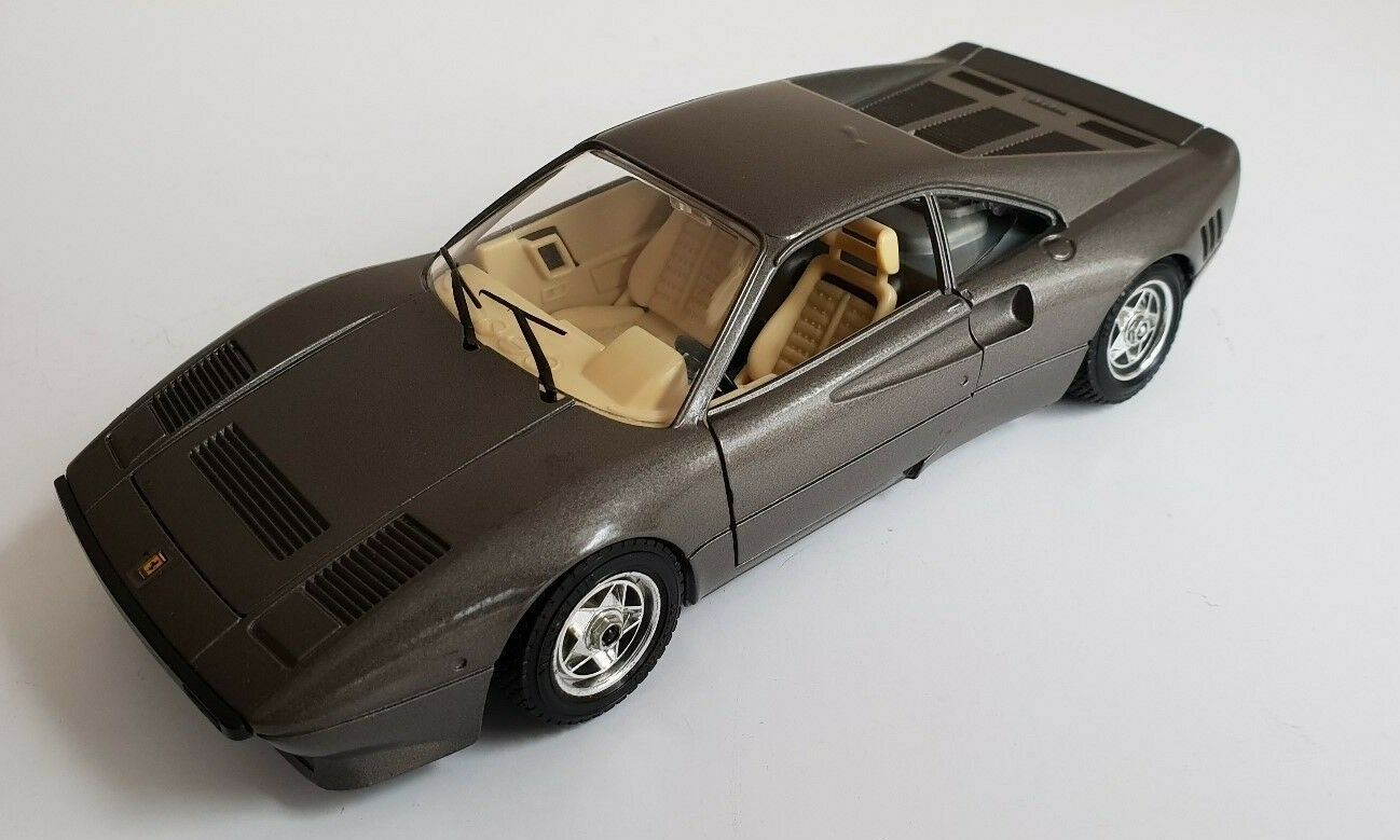 Ferrari GTO, 1 24, Burago
