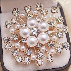 Vintage-Gold-Flower-BROOCH-Pin-Crystal-Rhinestone-Bridal-Pearl-Broach-Wedding