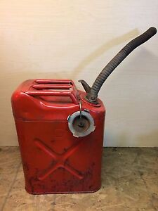 Vintage-Red-Metal-Jerry-Gasoline-Gas-Can-5-Gallon-w-Nozzle-Willys-Military-USMC