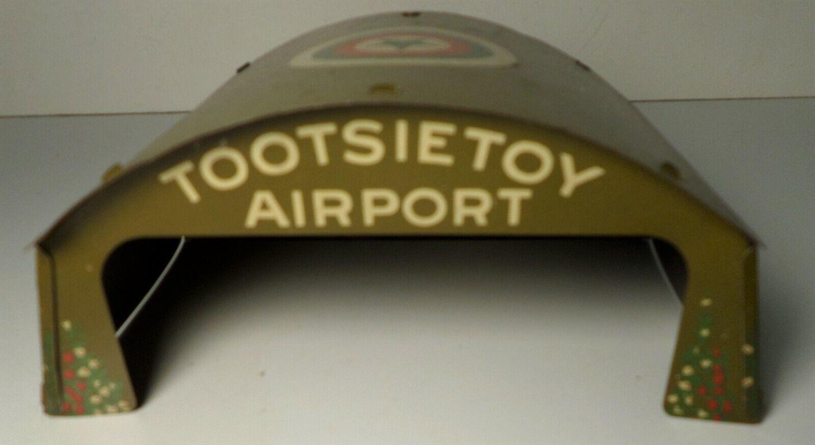 Jahr 1931 TOOTSIE Spielzeug TIN LITHO AIRPORT HANGER