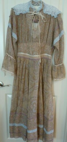 Vintage Cottage core Dress Country Victorian style