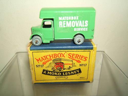 Matchbox moko lesney no.17a bedford removal van mib