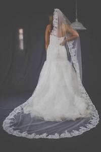 bridal veil, alecon lace with comb, color white