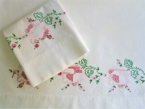 2-Vintage-Cross-Stitch-Embroidered-Roses-Pillowcases-J-P-Stevens100-Cotton