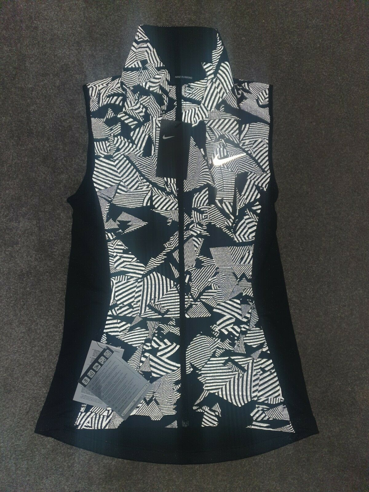 Nike Aeroloft Black/Silver Reflective Running Gilet Vest Women's XS Extra Small