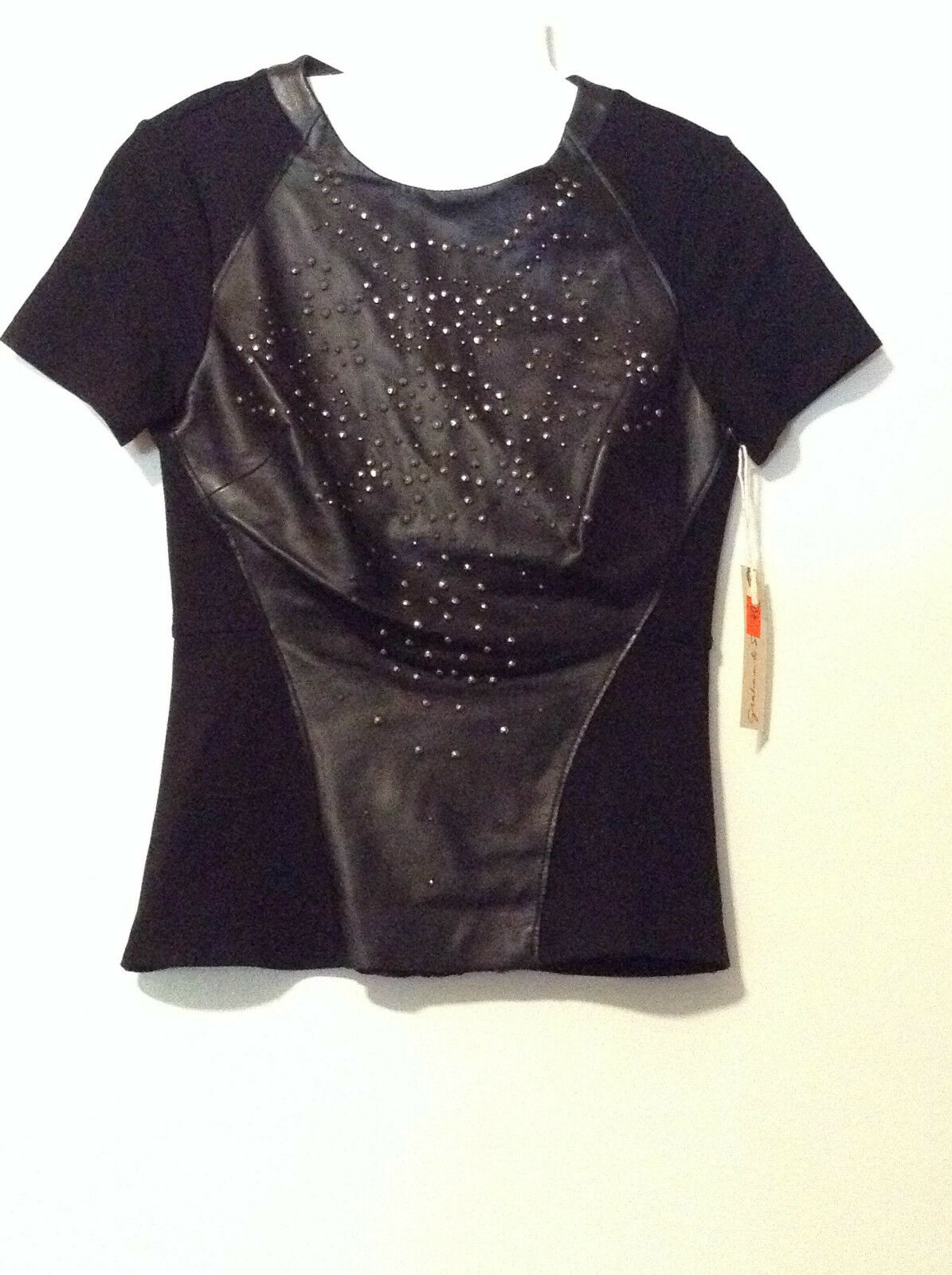 NEW WITH TAGS    Ladies Graham & Spencer schwarz Leather Studded Top MSRP
