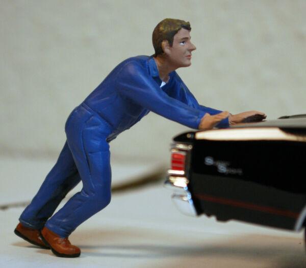 100% De Qualité 38278 American Diorama Atelier équipe Mechaniker Darwin Pushing 1:24