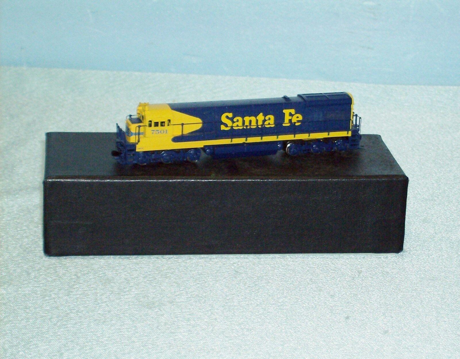 BRASS  N  scale SANTA FE U33C ENGINE by HALLMARK with BOX Hard to Find
