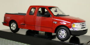 Motormax-1-24-Scale-2001-Ford-F-150-XLT-Flareside-Supercab-Diecast-model-car