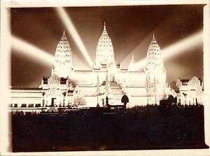 snapshot-Exposition-coloniale-internationale-1931-Le-temple-d-039-Angkor-Vat-lumiere