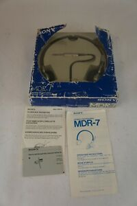RARE-Sony-MDR-7-Headphones-with-original-box-and-manual-Tested-and-working
