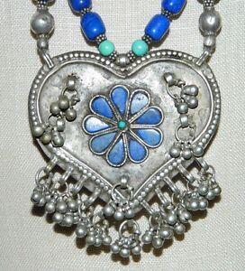 Vintage-Tibetan-Silver-Turquoise-Lapis-Heart-Flower-Pendant-Choker-Necklace