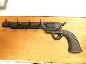 Metal Pistol Wall Hook Handgun Key Chain Holder Western Gun Keychain Hanger Rack