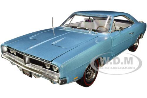 1969 DODGE CHARGER R//T HARDTOP BLUE MCACN 1//18 DIECAST MODEL AUTOWORLD AMM1200