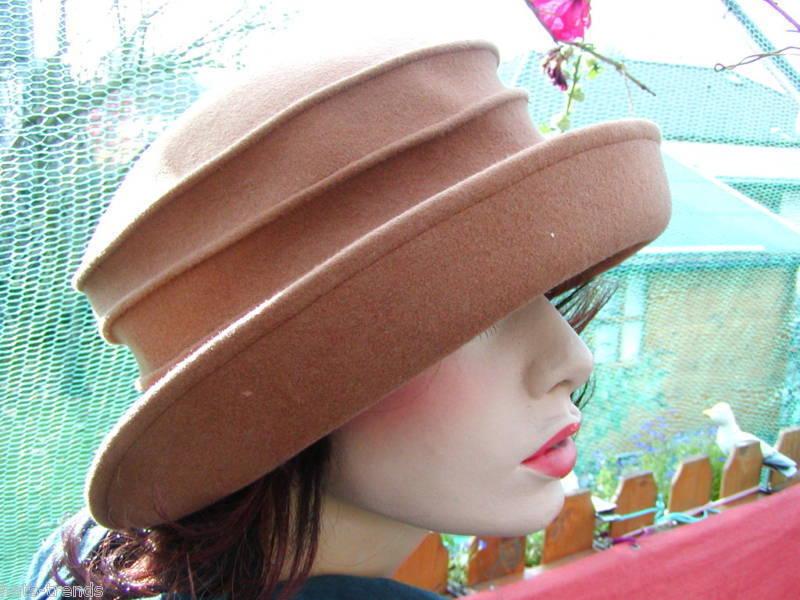 Sehr eleganter Damenhut  Beige-Camel    Hut   Online-Shop    Kaufen Sie online    Lass unsere Waren in die Welt gehen