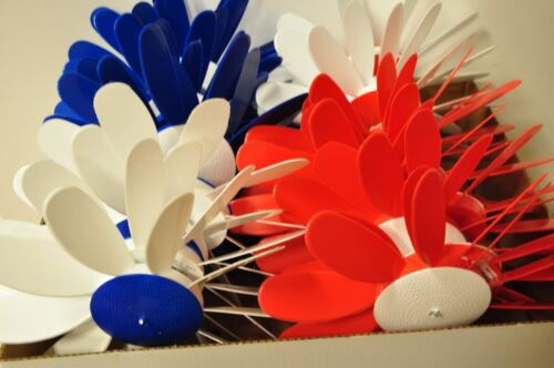 Patriotic Colors Classic Spinning Daisies Quanties of 3 or 24 6,12