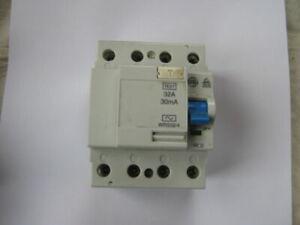 Schneider 32 amp rcbo 30MA 230V c type C60HC32R30 379