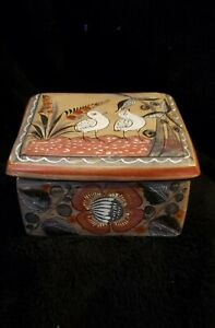SIGNED-BY-MEXICO-MUNOZ-TRINKET-HAND-MADE-PAINTED-CLAY-BOX-BEAUTIFULLY-DESIGNED