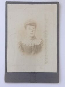 Large-Victorian-Cabinet-Card-Photo-CDV-Unknown-Lady