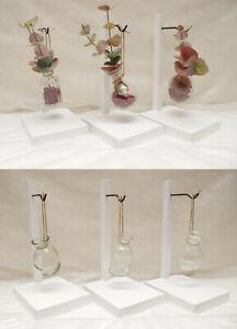 Haengevase-Haengedekoration-Seidenblumen-Glasvase-Holz-Galgen-minimalistisch-Sylt