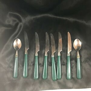 8-Piece-Lot-of-Vintage-Green-Handle-Flatware