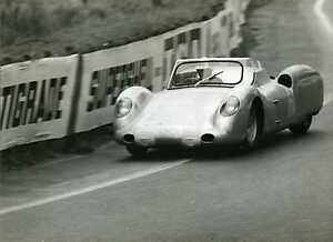 1963-Rover-Gas-Turbine-Graham-Hill-Richie-Ginther-Le-Mans-Race-Photo