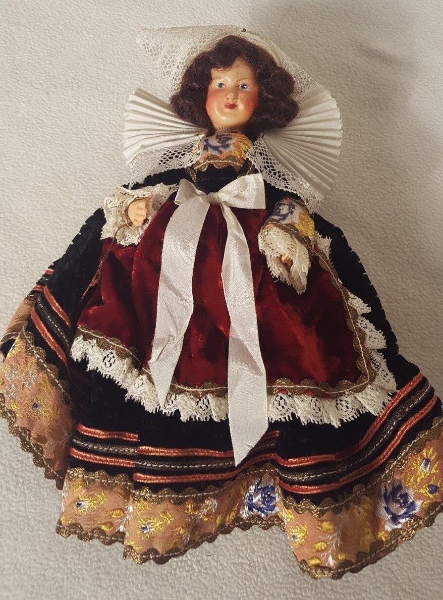 L'Hernine Poupees Bretonnes ET Regionales Plastic Doll French Antique style TAG