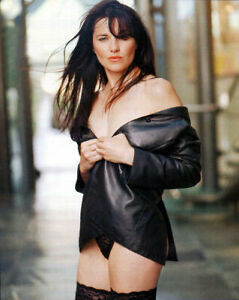 Lucy Lawless Sexy Without Pants 8x10 Picture Celebrity Print   eBay