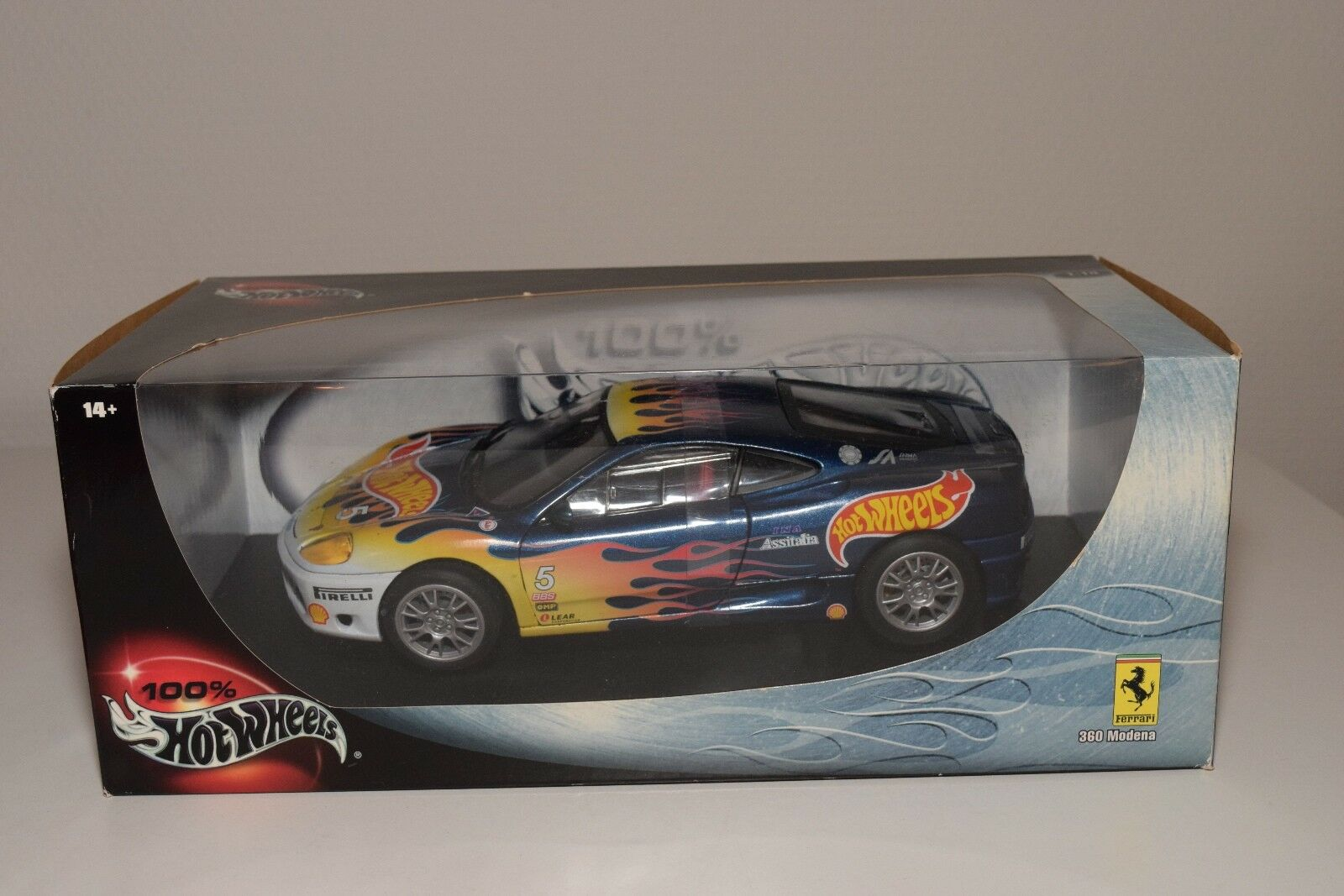 V 1 18 HOTWHEELS FERRARI 360 MODENA RACING WITH FLAMES MINT BOXED