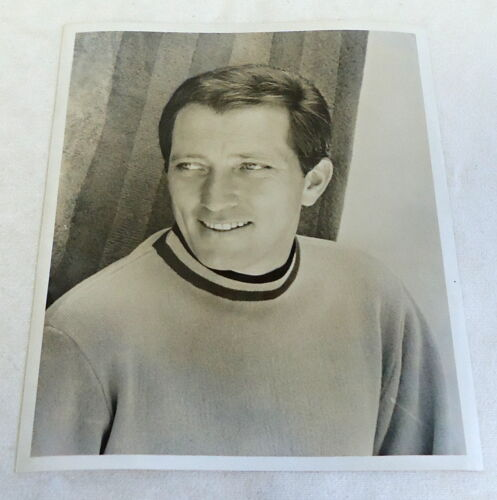 1967 black and white photo ~ ANDY WILLIAMS heat shot