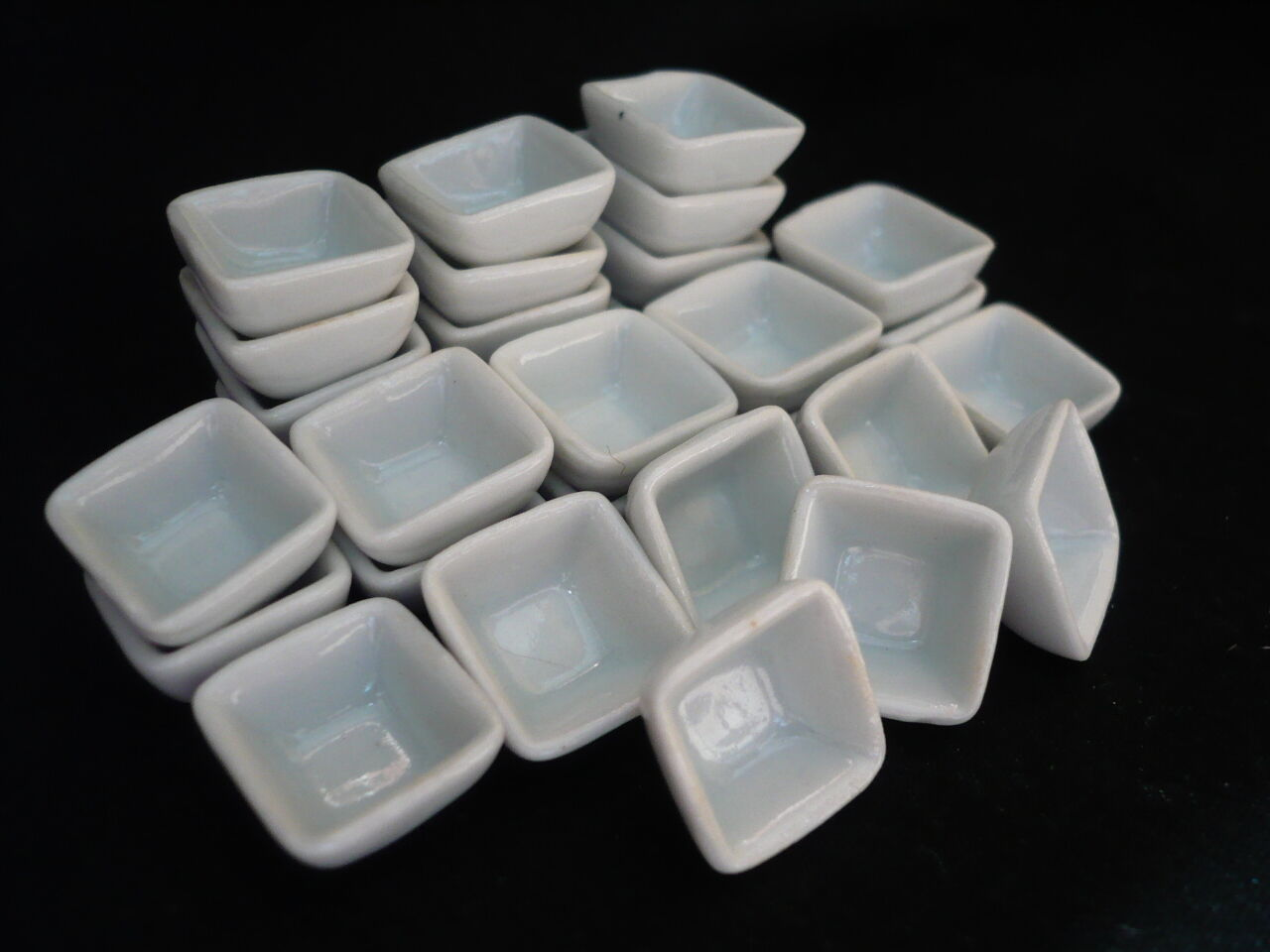 10x10 mm White Square Bowls Dollhouse Miniatures Ceramic Supply Deco