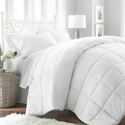 Ultra Soft Premium Hypoallergenic Down Alternative Comforter by Linen Market