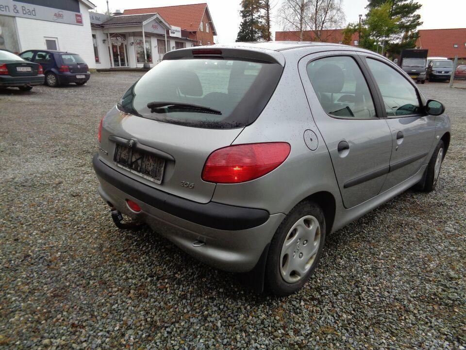 Peugeot 206 1,4 XR Benzin modelår 2002 km 219000 Gråmetal