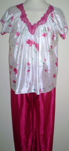 LADIES RED FLOWERED  LONG LEG LACE TRIM SHORT SLEEVED   PYJAMAS