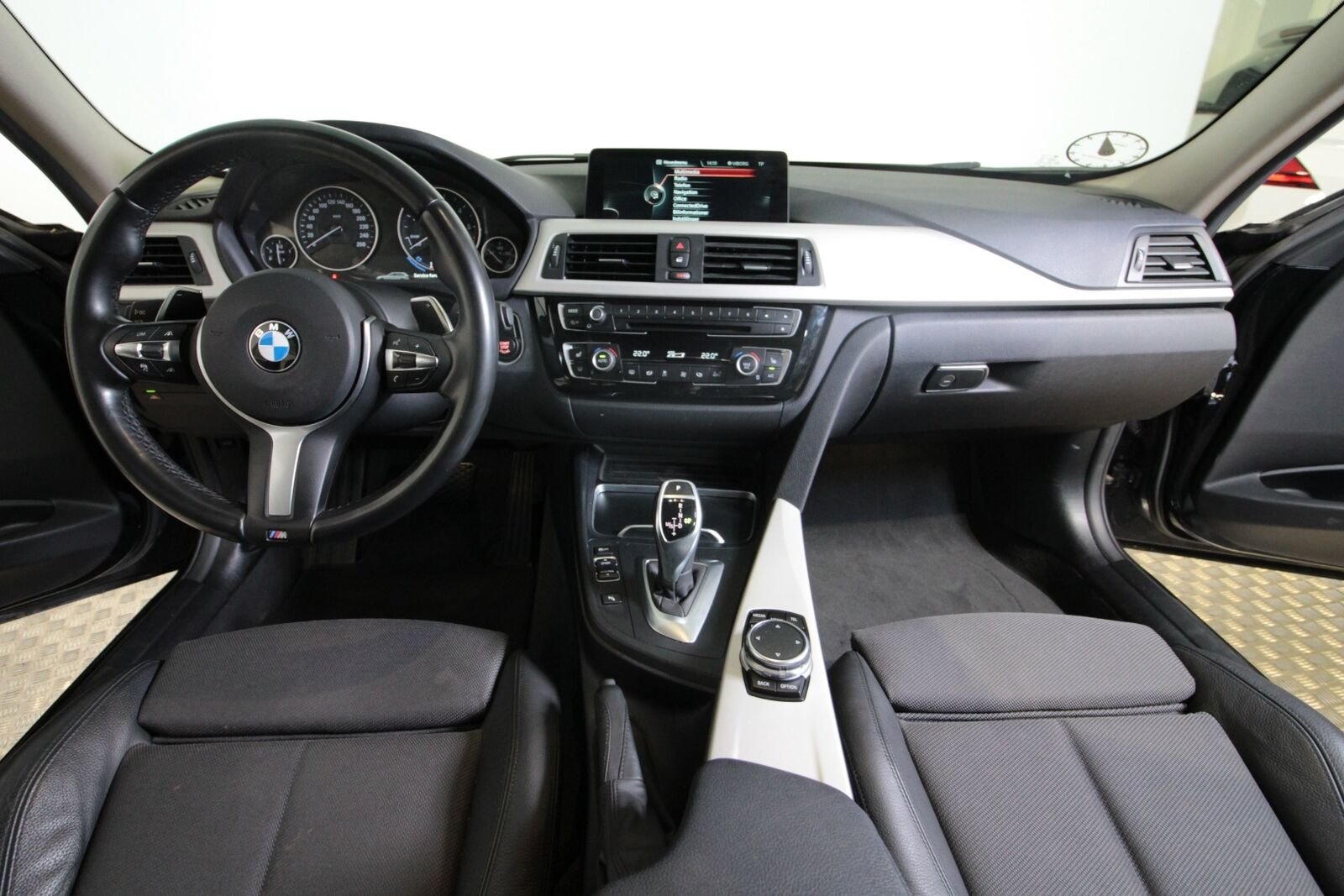 BMW 330d Touring aut.
