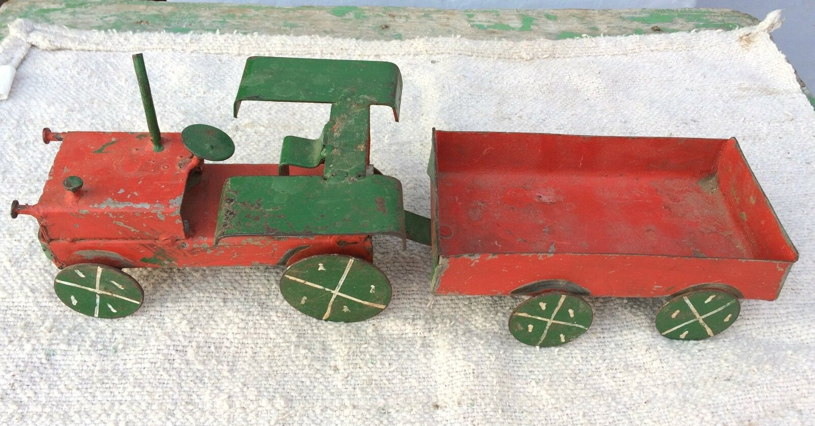 1970's VINTAGE UNIQUE HAND PAINTED METAL TRACTOR WITH TROLLEY TOY / MODEL