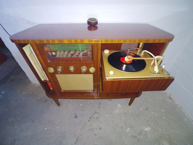 Jalousi kommode Lp/radio,   Kommode, teaktræ  Teak Lp/radio…