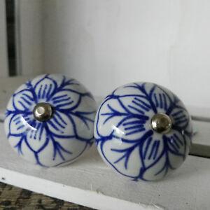 2 x Möbelknopf Vintage Möbelknauf Knauf Porzellan Blütenform creme Rose Blume