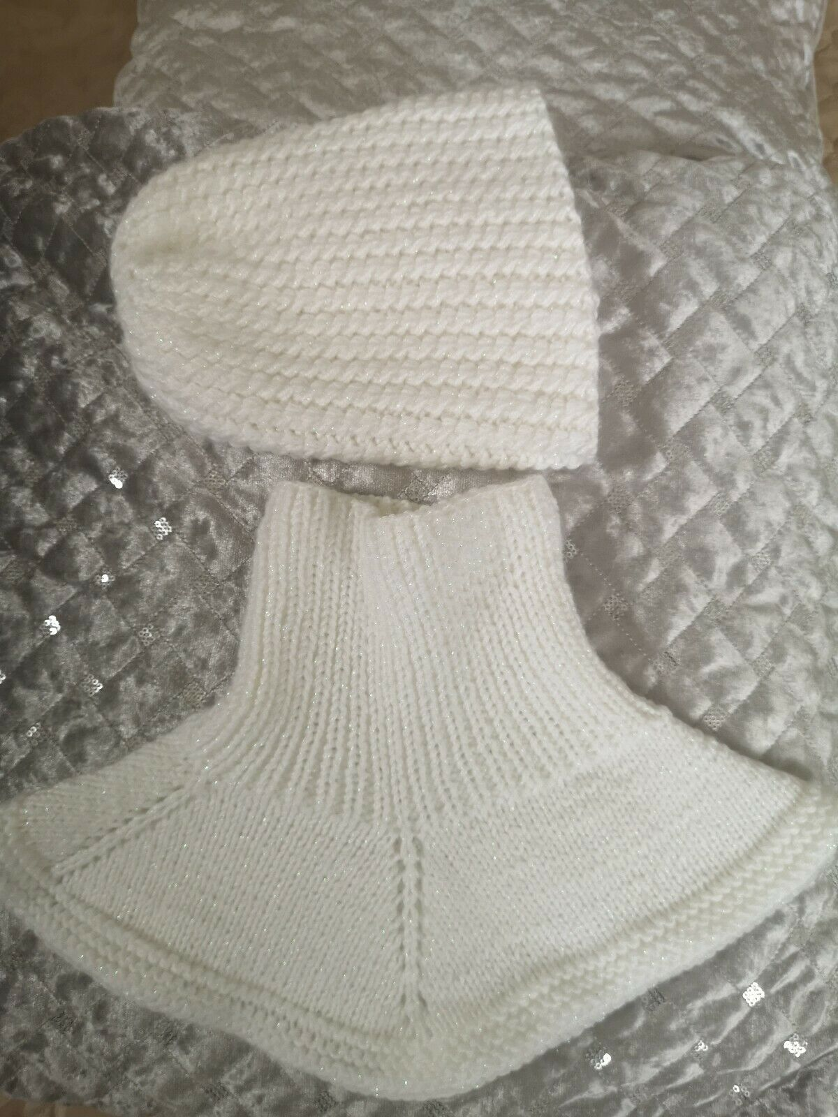 Handmade set of hat and scarf