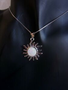 Kettenanhanger-Sonne-Opal-weis-Kette-925-Silber-50