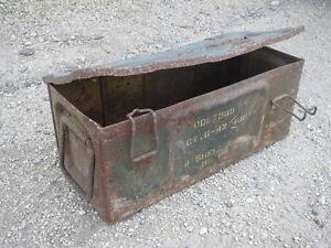 ancienne caisse munitions en fer militaire ww2 1942 militaria d co garage ebay. Black Bedroom Furniture Sets. Home Design Ideas