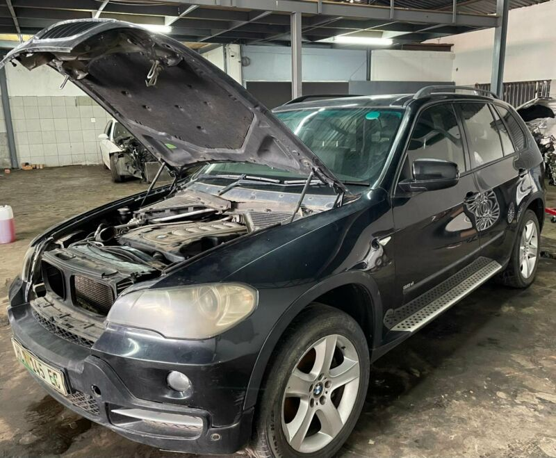 BMW E70 3.0D STRIPPING FOR SPARES